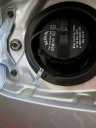 fuel_cap_hook_01.jpg